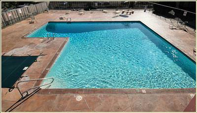 Hillcrest Park Condos_Swimming Pool
