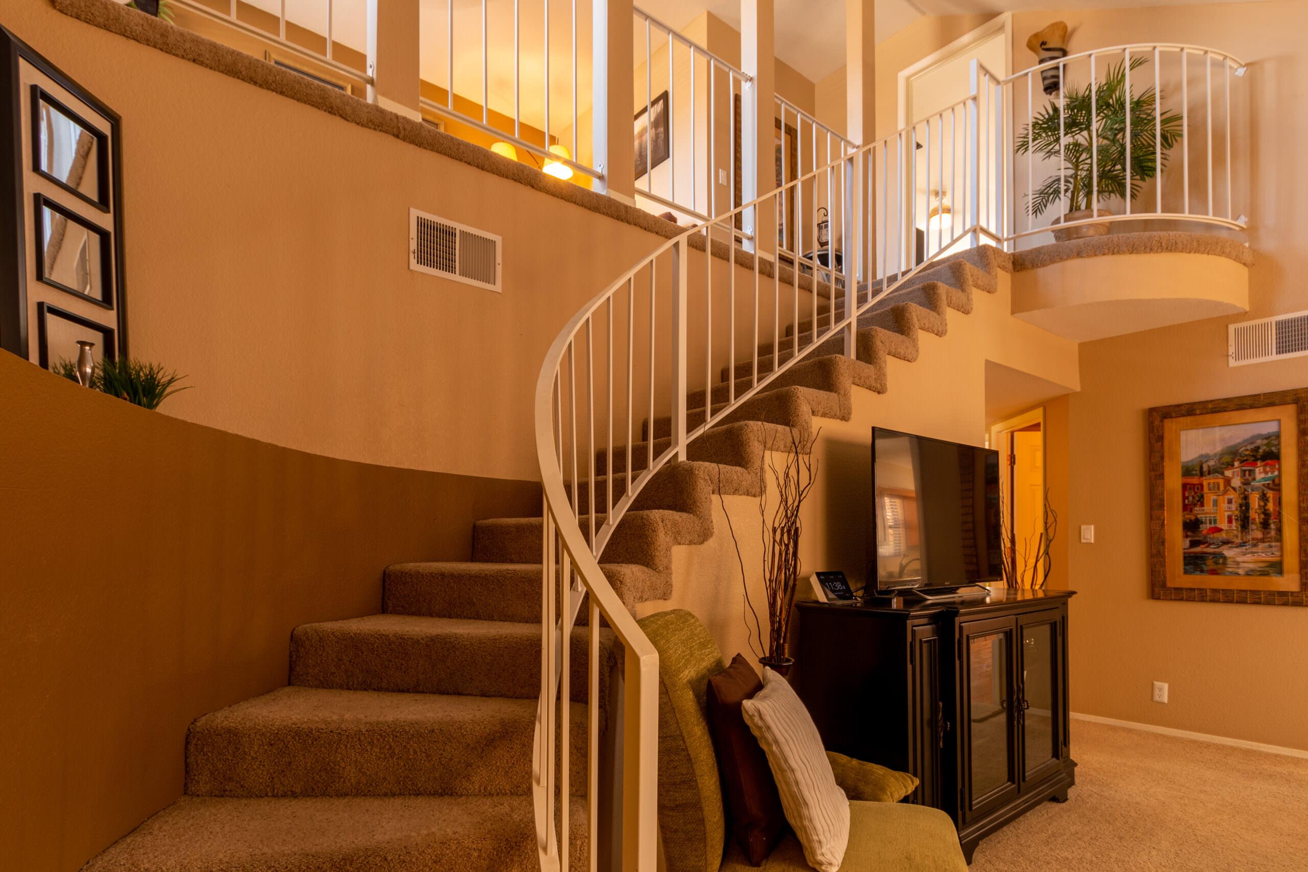 10410 Casador Del Oso Staircase