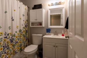 1201 Rachel Rd NE Full Bath